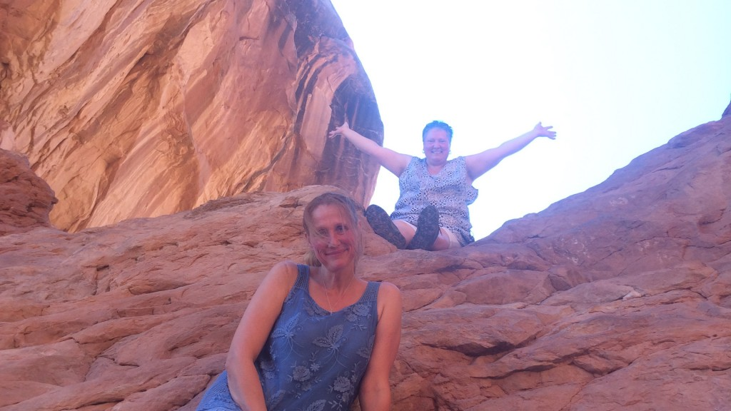 Andrea und Martina im Arches Nationalpark (Foto: Oliver Hottong)