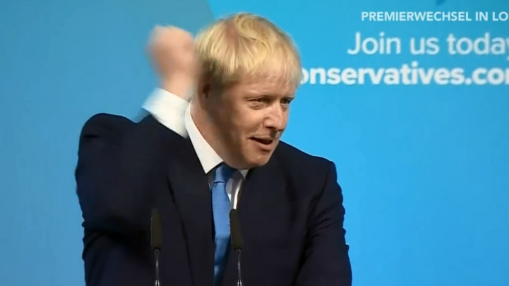 Siegerfaust nach dem Triumph: Boris Johnson  (TV-Screenshot/Phoenix)